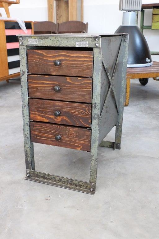 Industrial Möbel eisenkasten | industrial möbel | antik-zone.at