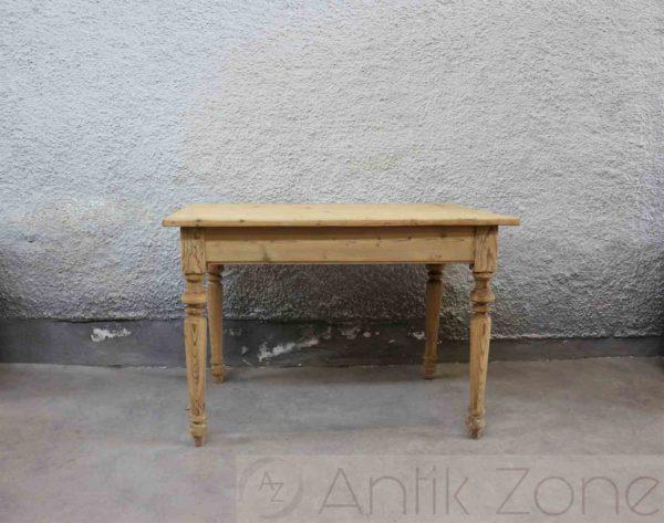 Tisch (5)