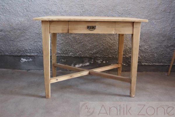 Tisch (11)